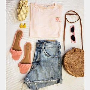 Tops - 🆕️Peachy tshirt in pink